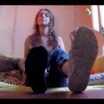 Genevieve challenges her feet