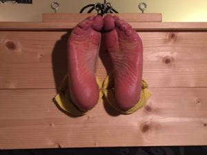 Stocks, Bare Feet and Toeties 5/5